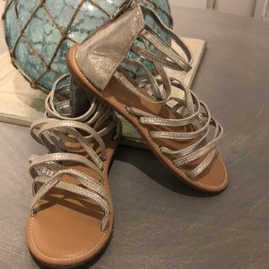Girls size 3 Old Navy silver Gladiator sandals